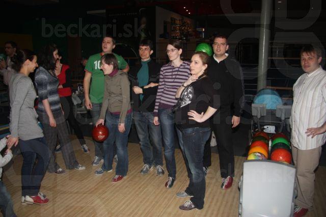 Béčkari na bowlingu