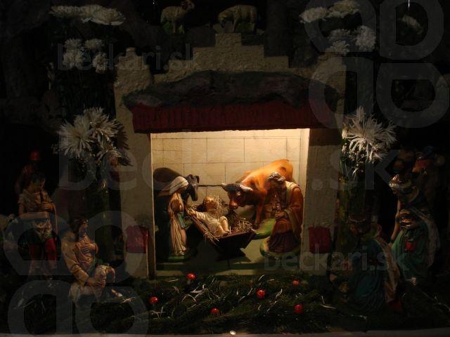 Betlehém v Dubovej - Vianoce - Betlehém v kostole v Dubovej