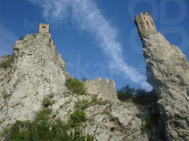 hradné vežičky - hrad Devín