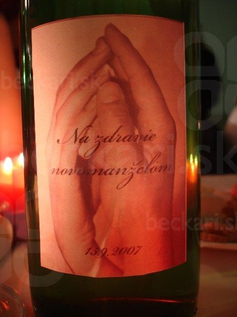 Na zdravie - svadobné oznámenie na flaške