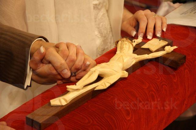 Svadobný krížik - na ktorý prisahali novomanželia
