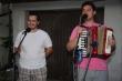 Na ľudovú nôtu - Harmonikár Andrej a kaplán Martin dali ľudovkový duet